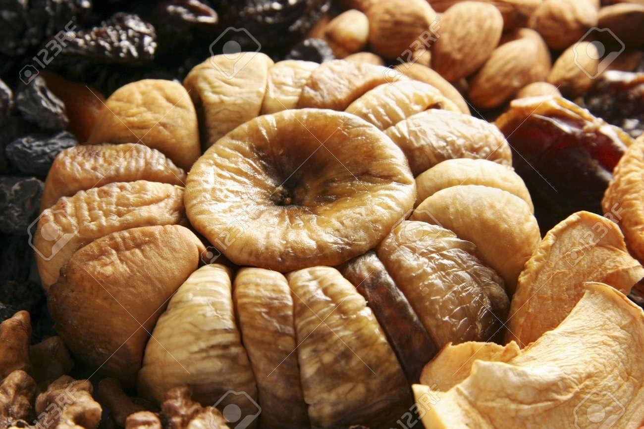 Diversi tipi di frutta secca