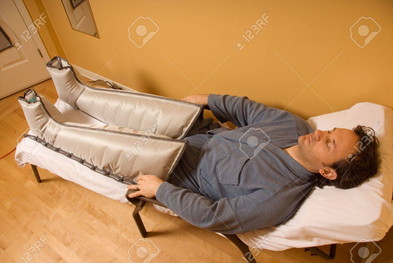 man client receiving pressotherpay treatment in a spa Stock Photo - 693709