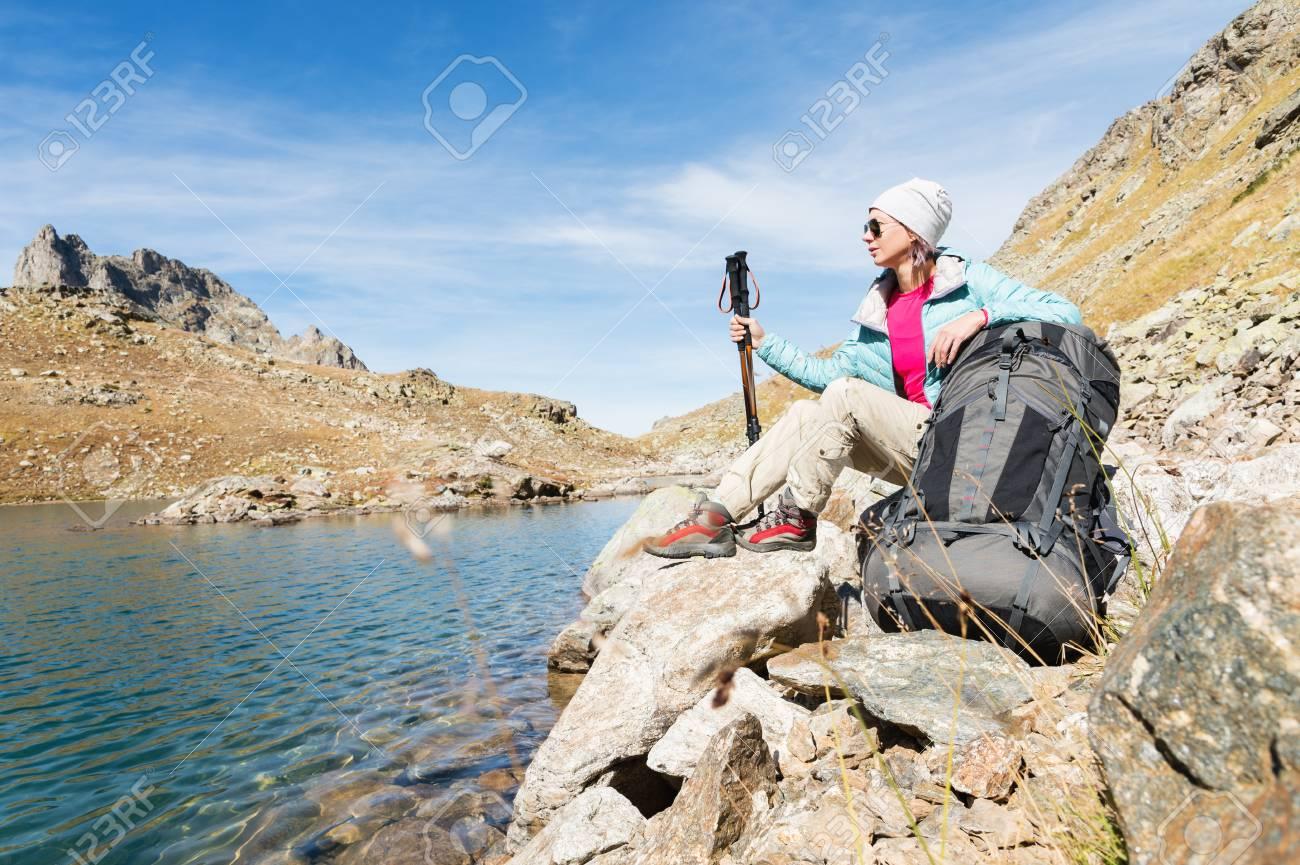 Chaqueta Sombrero Niña Sol De Una Turística Gafas Con Y F8qYvWawd