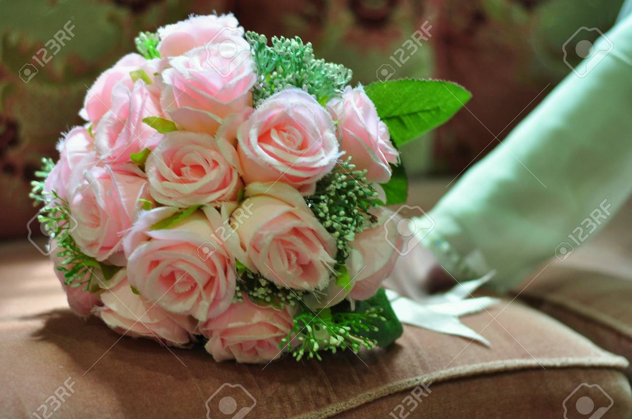 Hand Bouquet Of Rose Flowers Stock Photo, Picture And Royalty Free ...