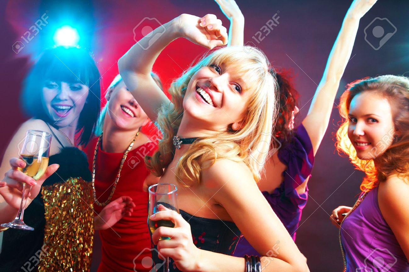 Фото женщин на вечеринке 3 фотография