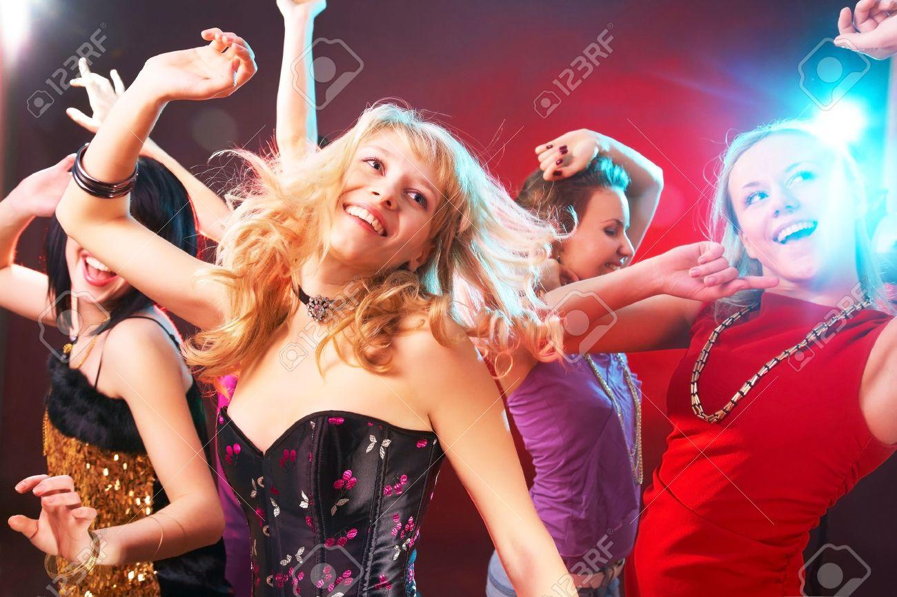 Российские блондинки на вечеринке 7 фотография