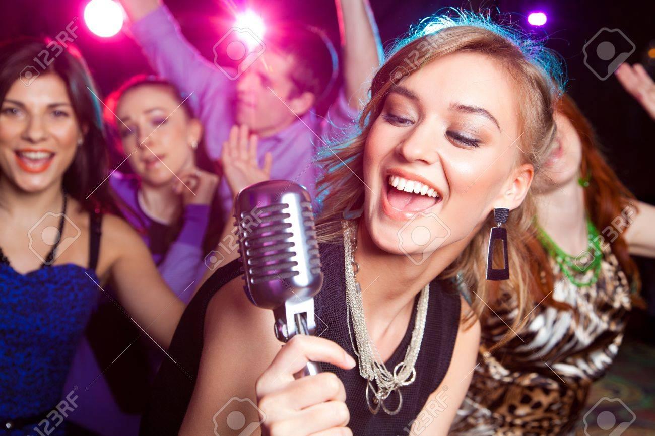 Фото русских девушек на вечеринке 6 фотография