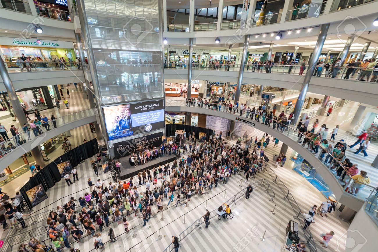 MINNEAPOLIS, MN - 18 Juillet: Intérieur De Mall Of America Lors D ...