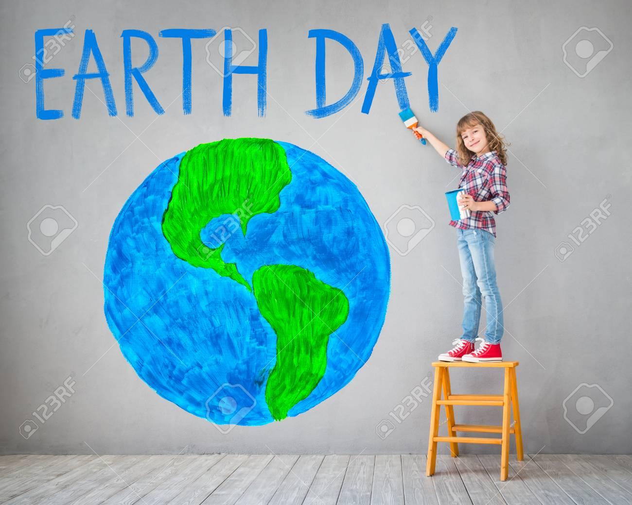 Bonne Planète Peinture Enfant Sur Le Mur Kid Amuser à La Maison