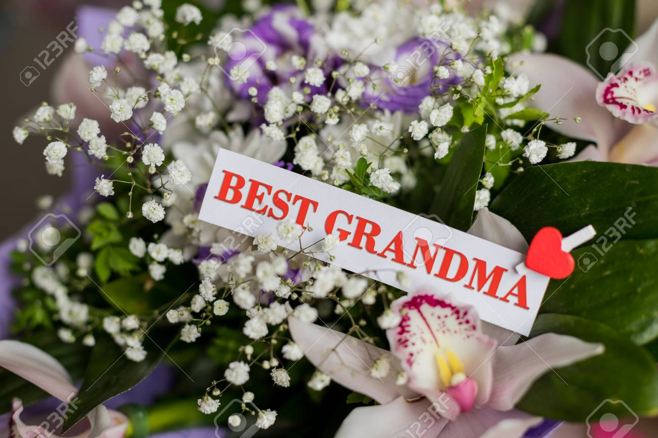 Beautiful Flowers Gift For Grandparents Day With Greeting Card