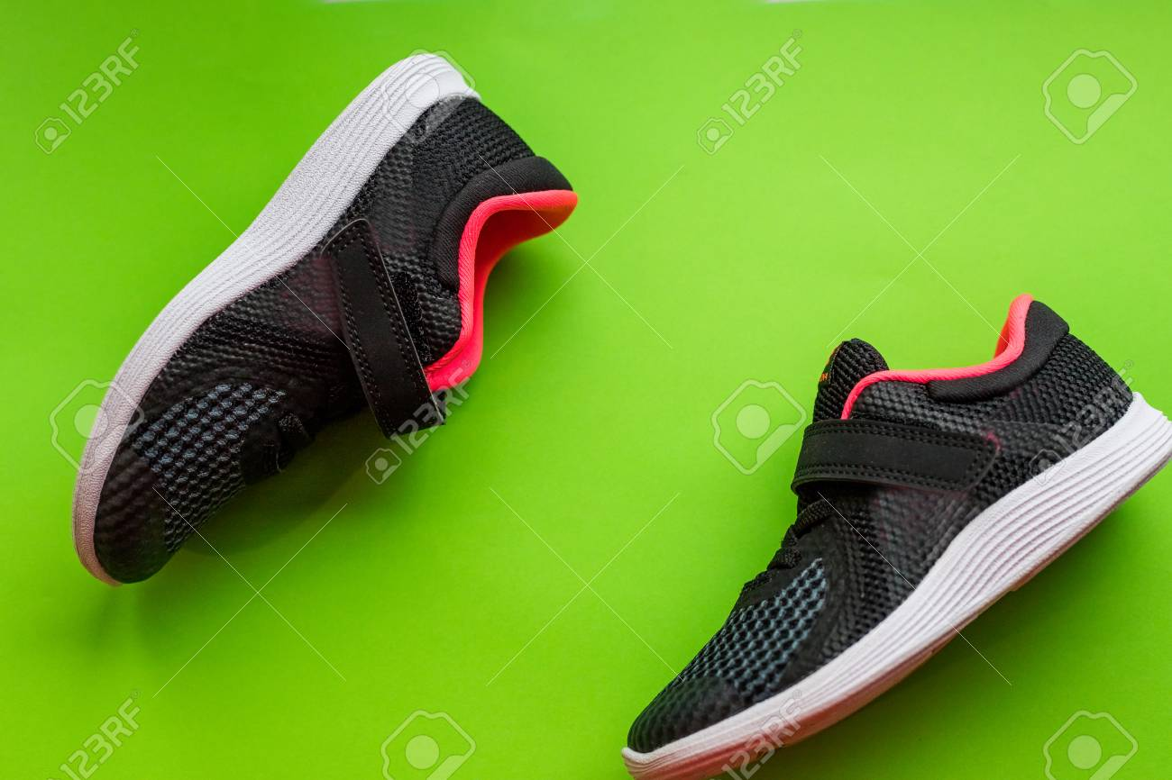 Sport Running Green Fashion Of ColorCasual On Isolated Spring Shoes Shoes children Black Shoeskids sport Girl Summer Sports Sneakers IbgfvYy76