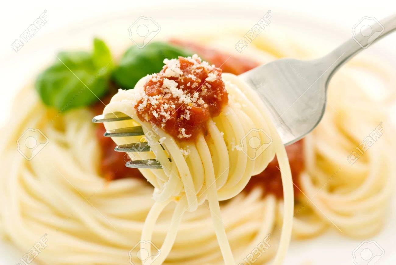 Spaghetti with tomato sauce Stock Photo - 9031060