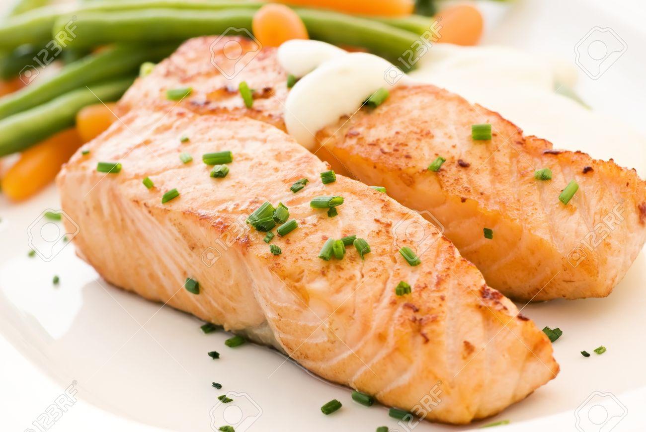 Salmon filet with Beans Stock Photo - 9539988