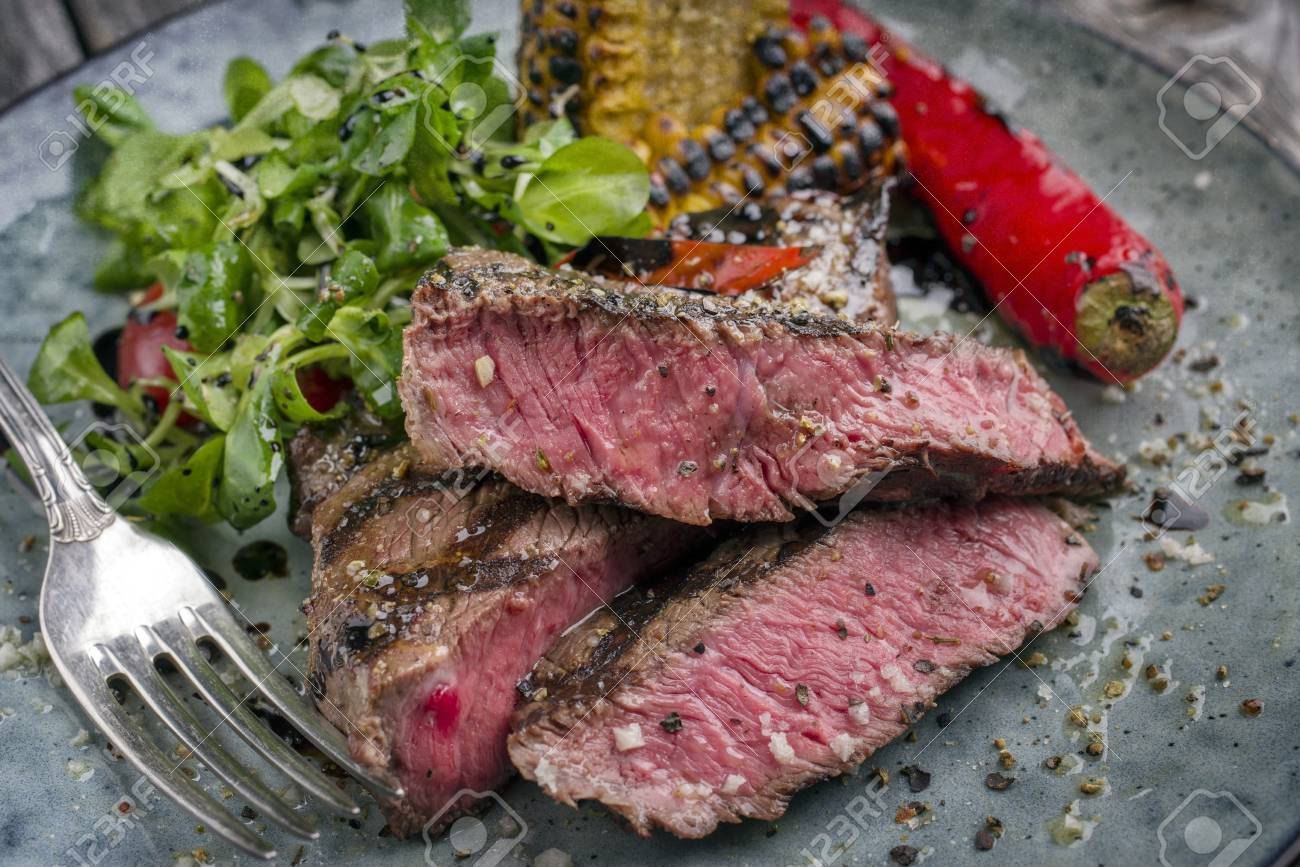 Barbecue Wagyu Tagliata with Salad and Vegetable - 74702905