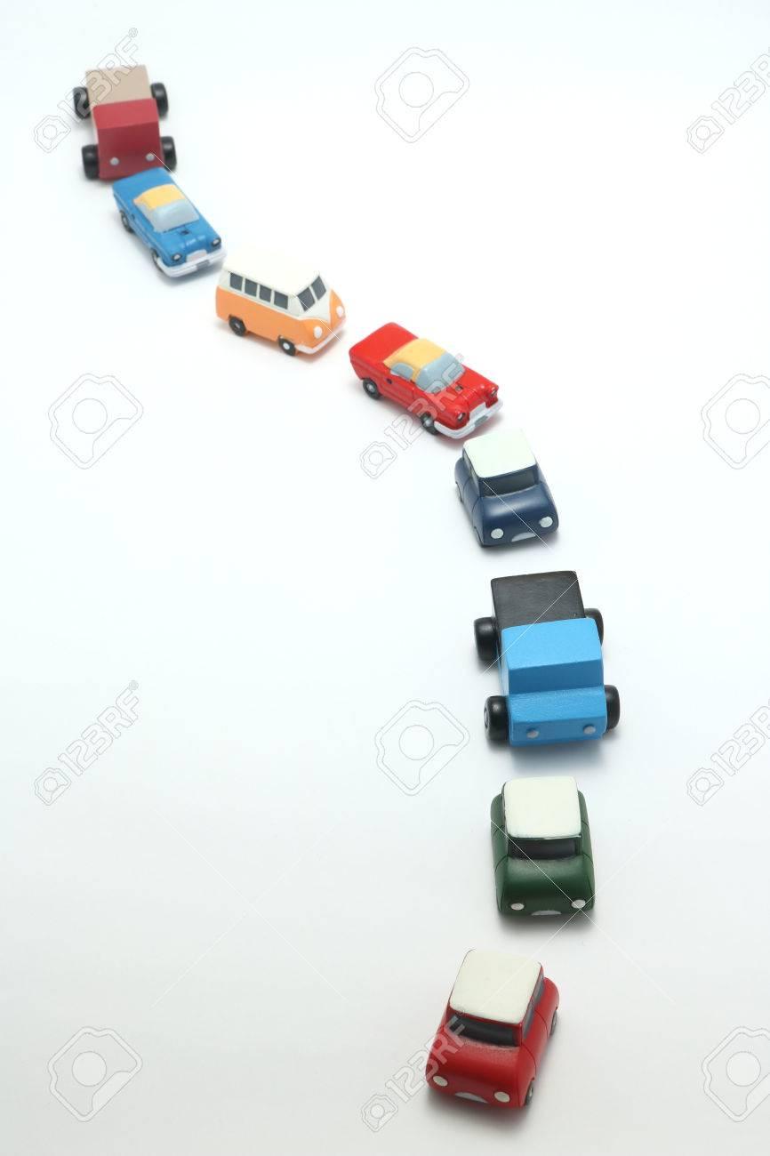 Sobre BlancoLa Del Miniatura Congestión En Coches De Tráfico Fondo Juguete 0wOkXP8n