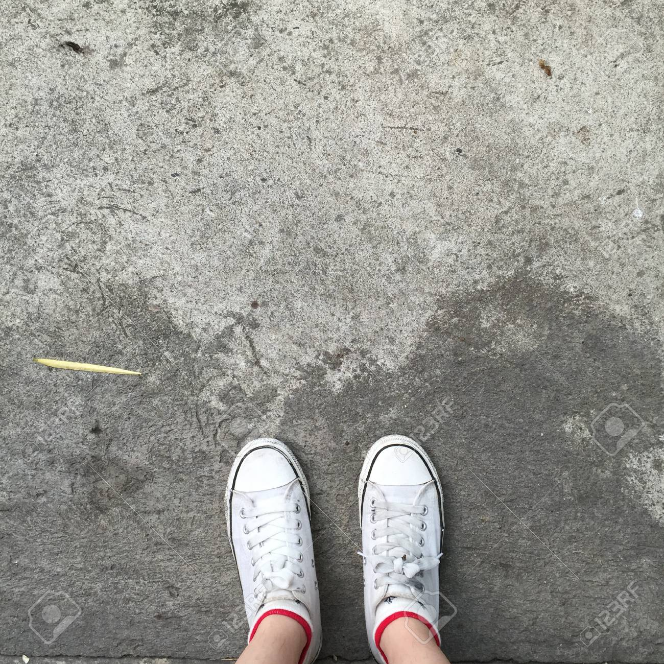 shoes for walking on concrete