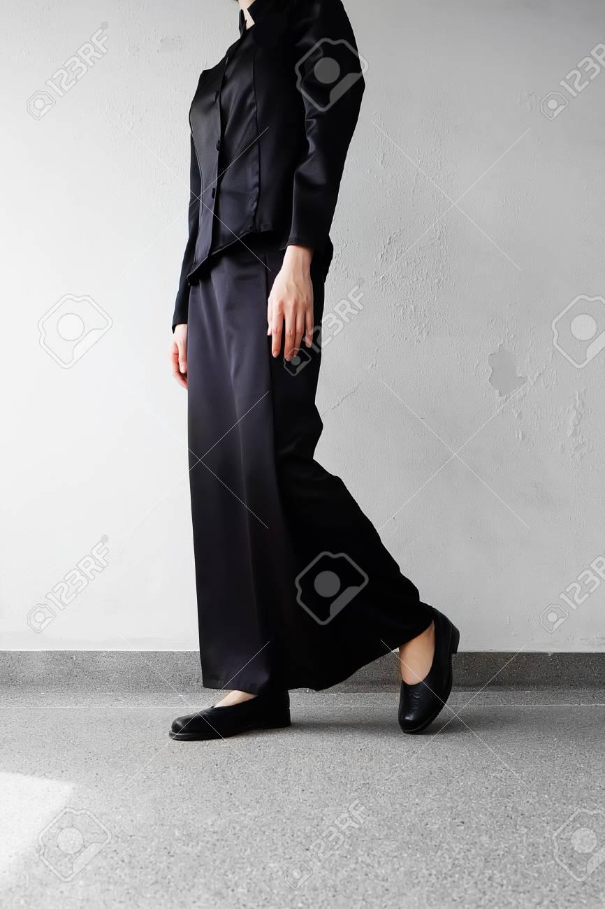 Mourning Feet Female In Black Flat