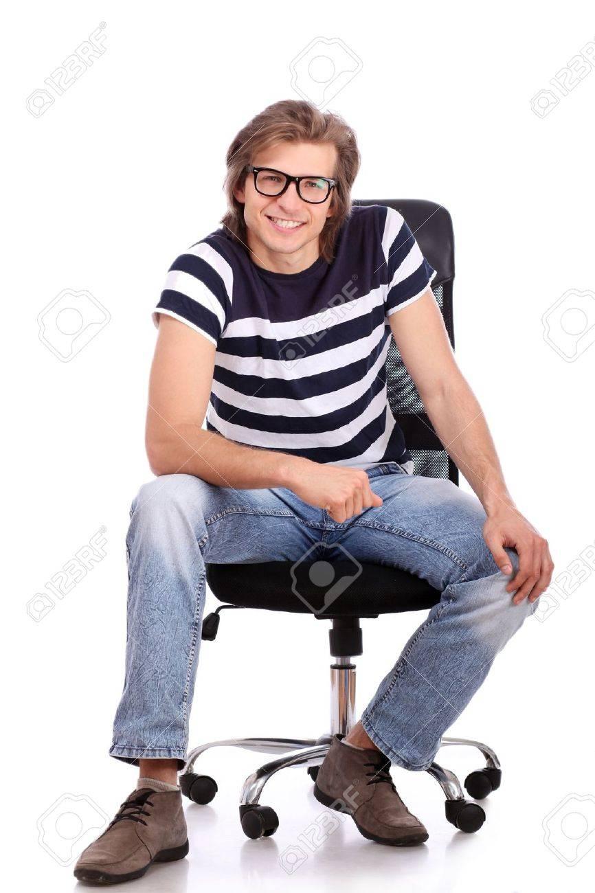 Онлайн парни на стуле фото 193-671