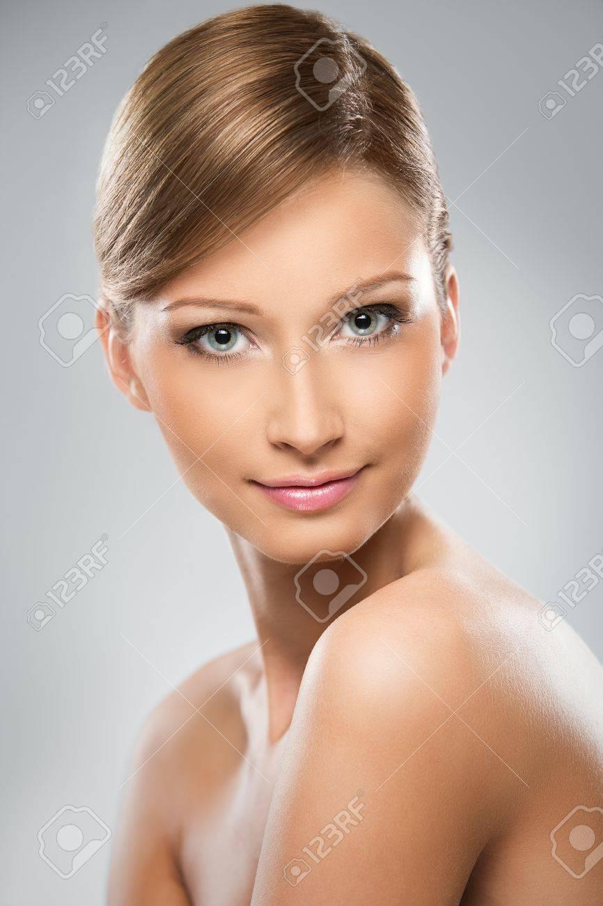 Secretarias Porno Cute Smile Nude Women