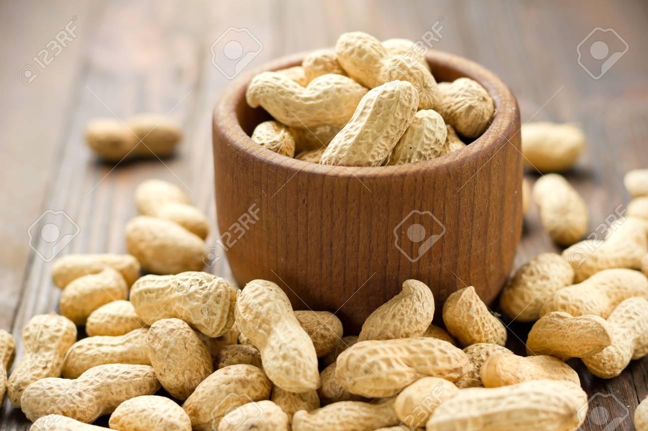 Peanuts Stock Photo - 16268117