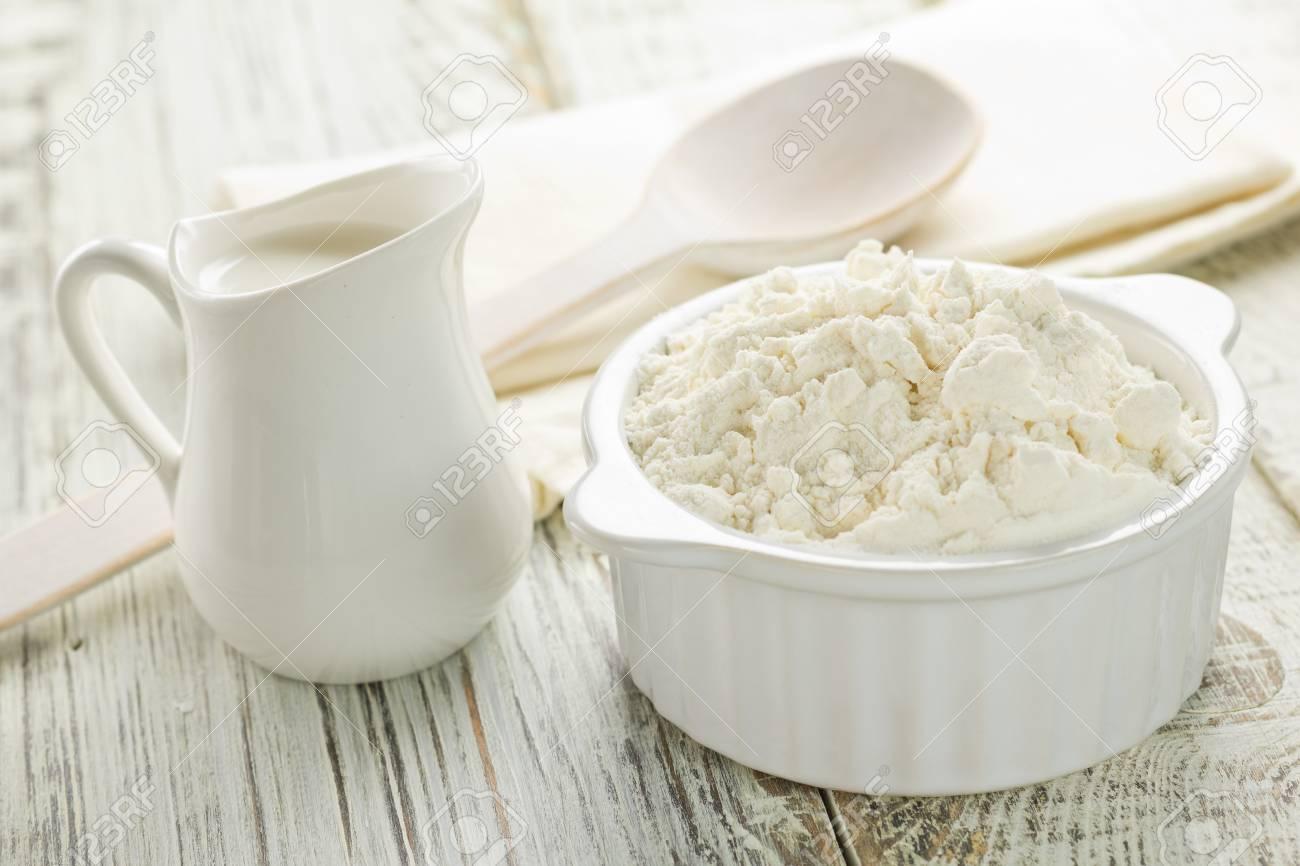 Flour, milk Stock Photo - 16268068