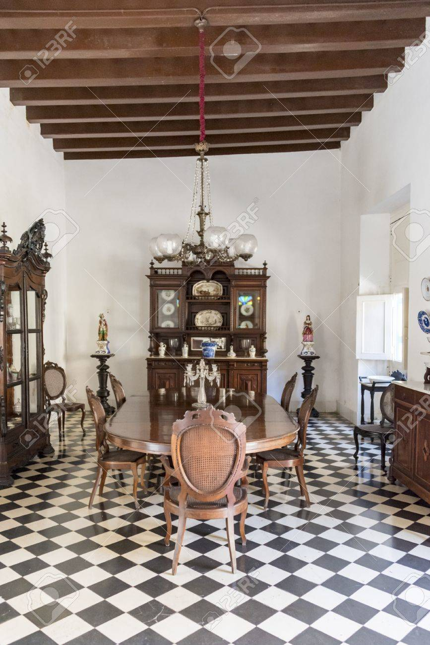 Der Speisesaal Im Museo De Arte Colonial, Sancti Spiritus, Kuba ...