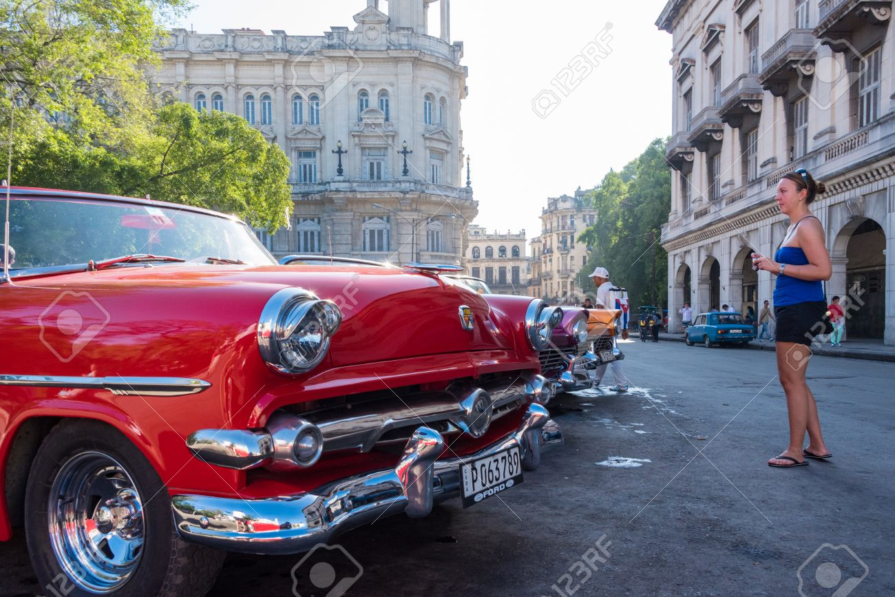 Cuba Tourism: Old Vintage Classic American Cars In Havana And ...