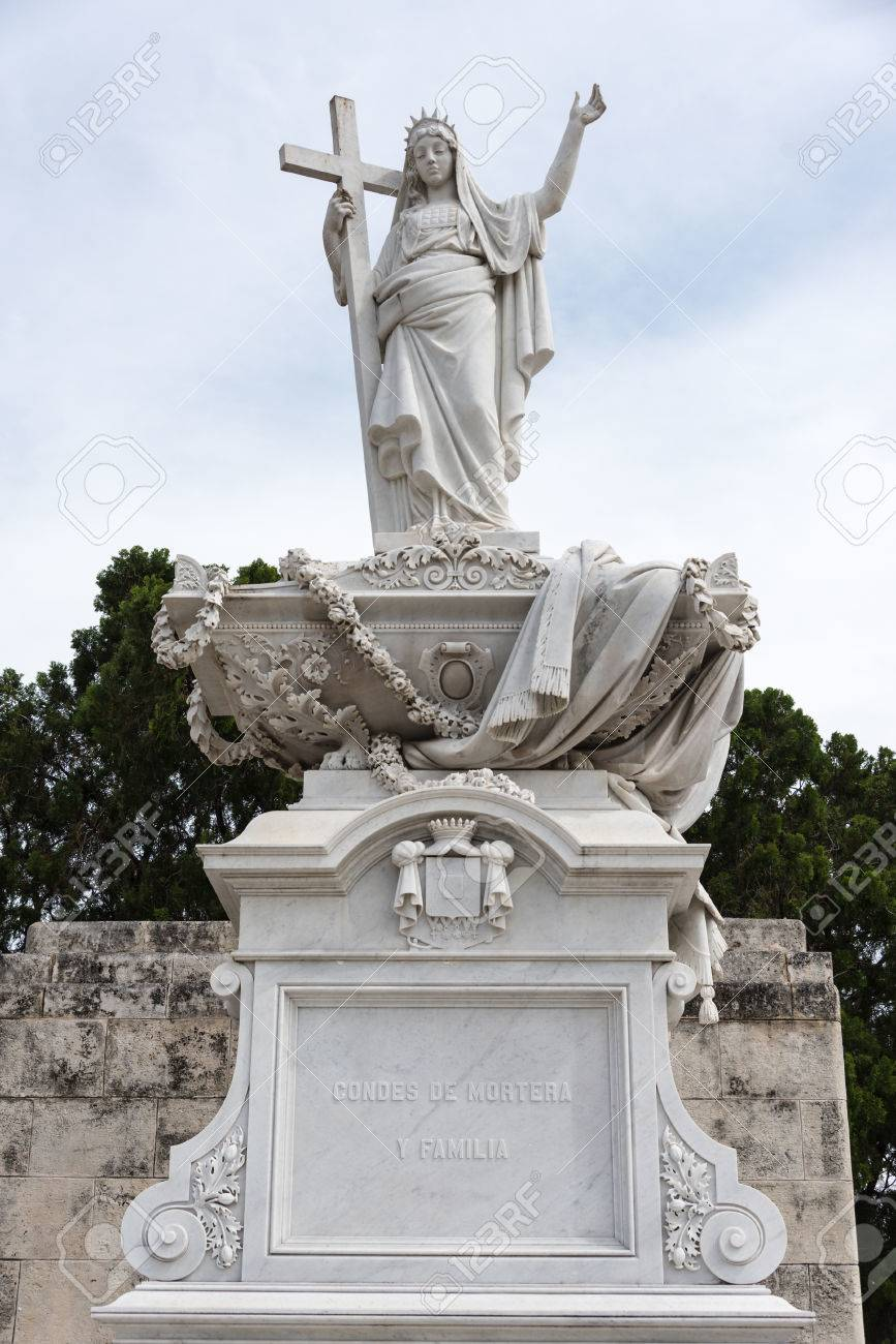 Colon Cementery: Religion Themed Statues Or Sculptures Made In ...