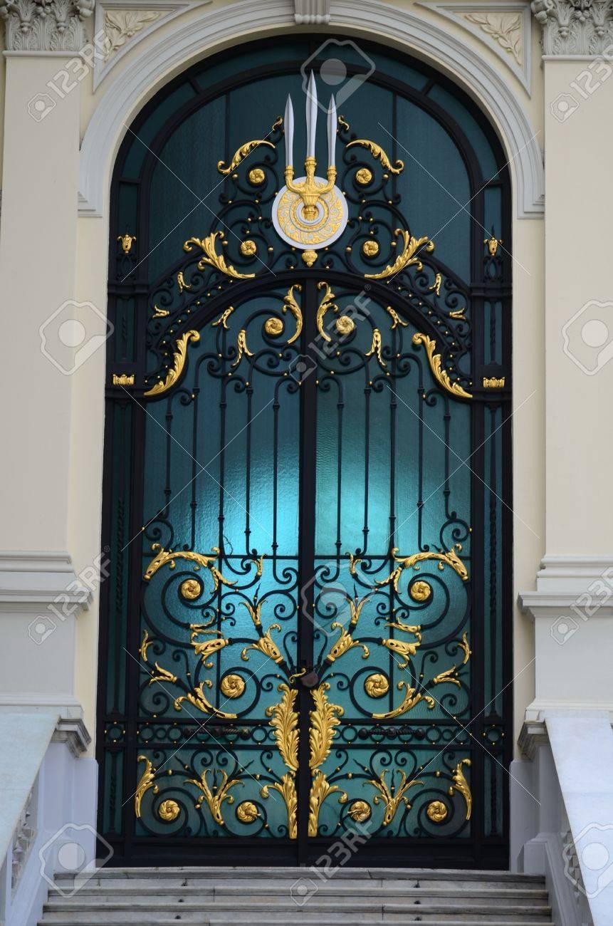 glass doors - 8648594