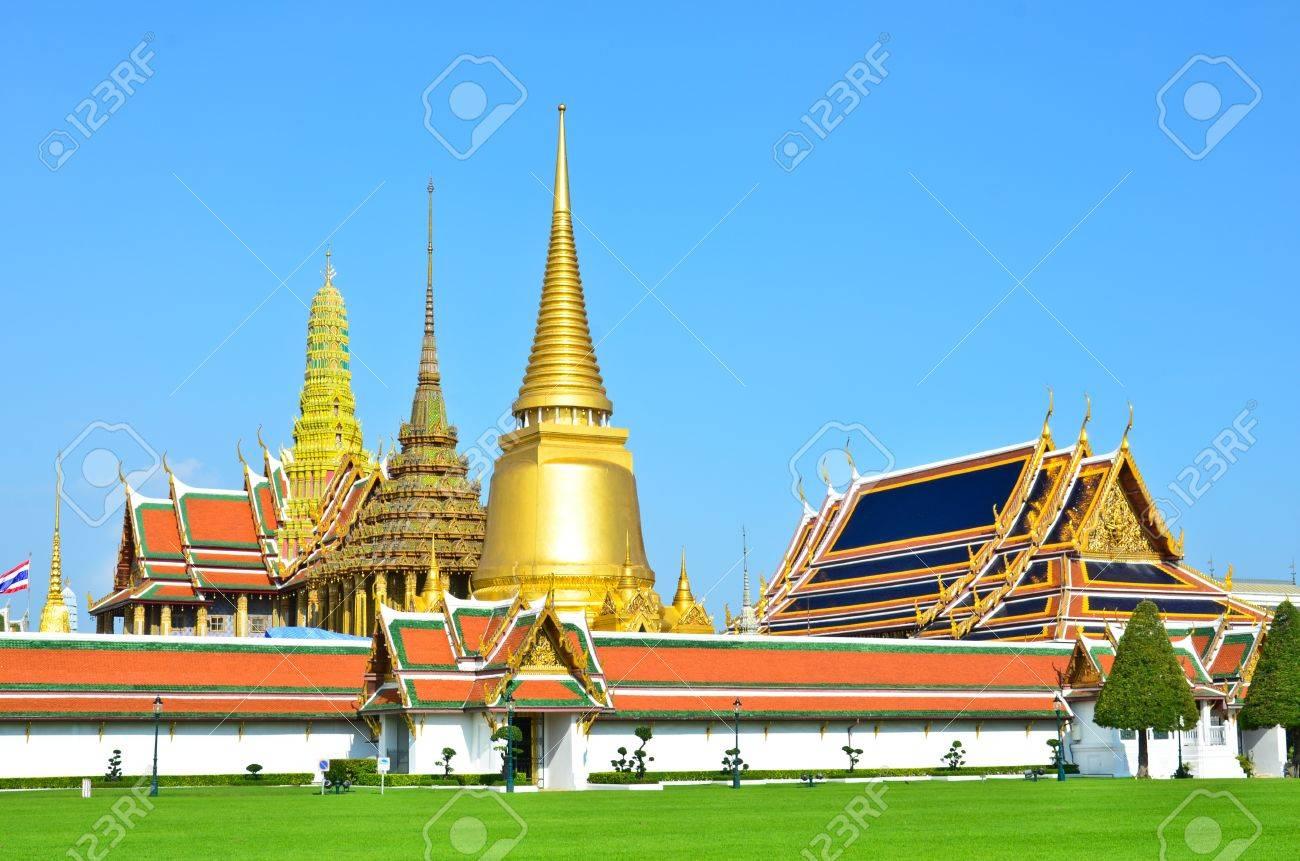 Wat Phra Kaew, Bangkok , Thailand. - 9450532