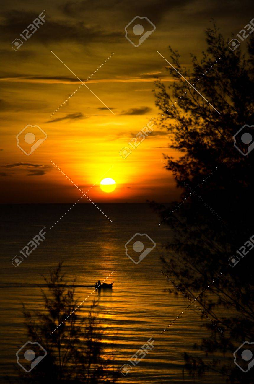 sunrise in the sea - 9510281
