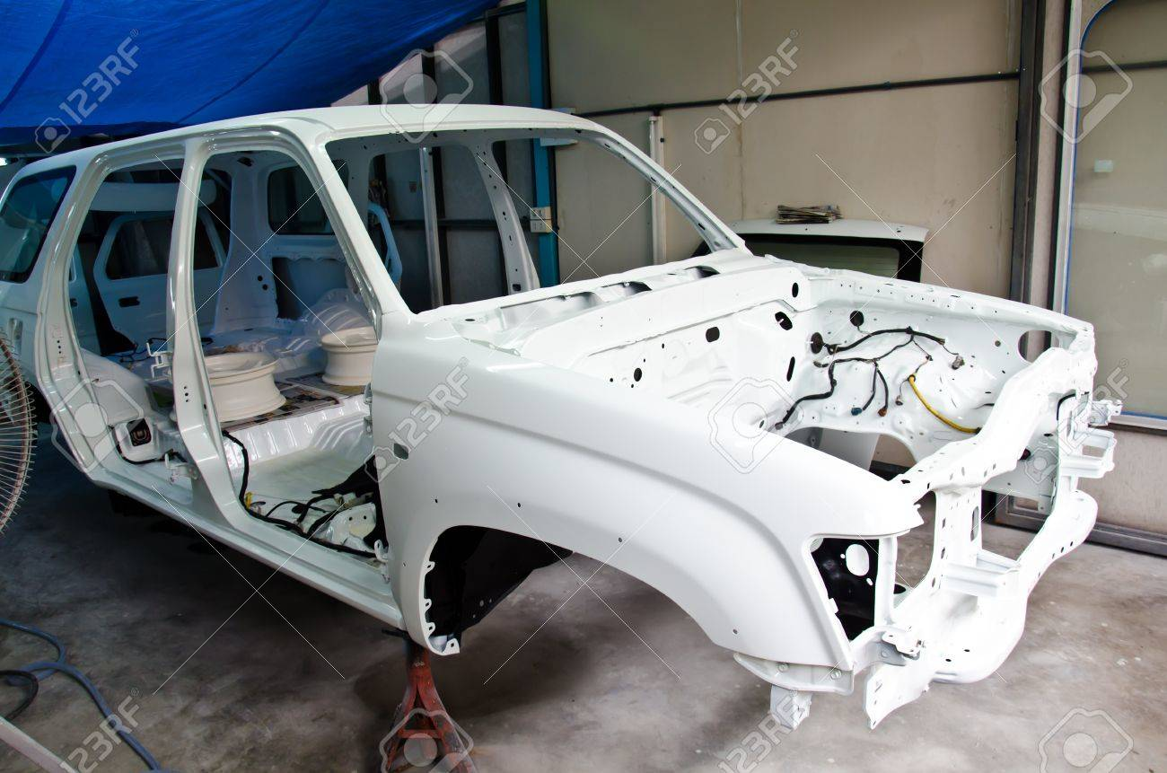 The chassis is made of a white car waiting. - 12308278