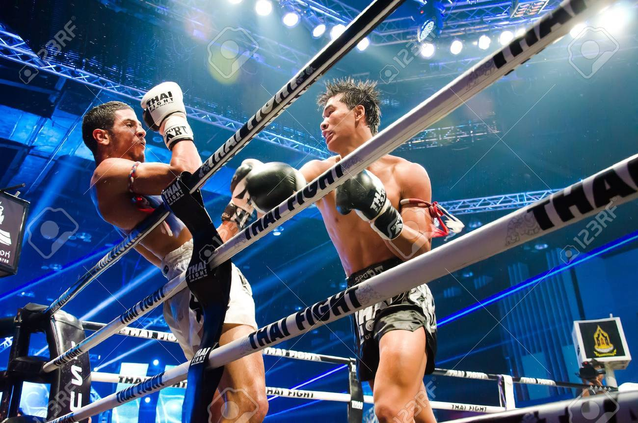 BANGKOK - JUNE 29 : Peemai Jitmuangnon of Thailand and Youssef Boughanem of Belgium at Thai Fight Extreme 2013 on June 29, 2013 in Bangkok, Thailand. - 20552973