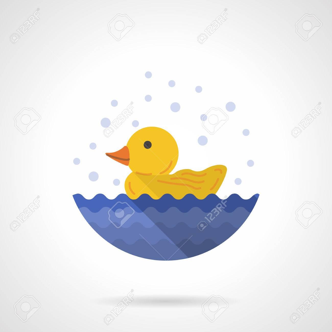 Gelbe Gummiente In Wasser Für Das Bad. Fun Waschen. Badezimmer ...
