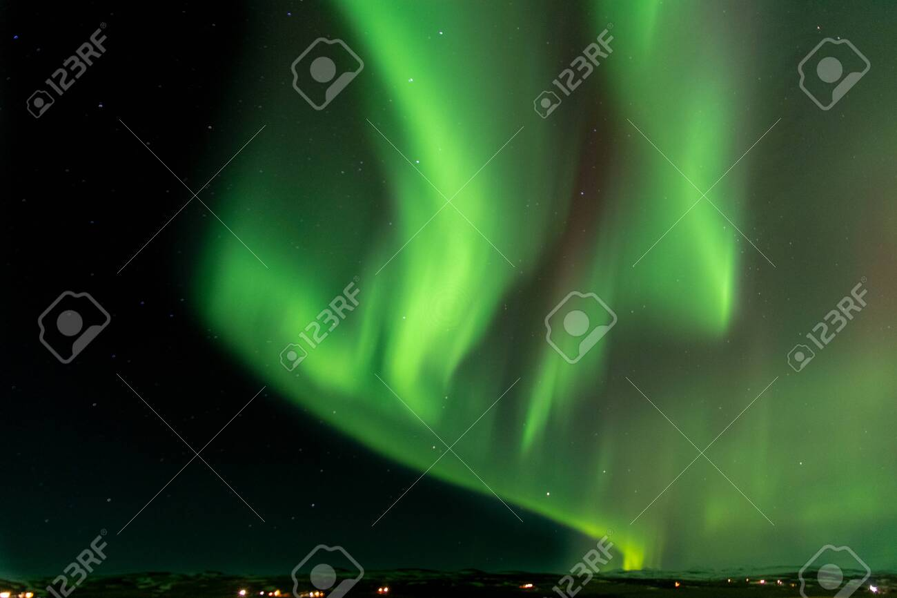 Green norther light over iceland - 131101501