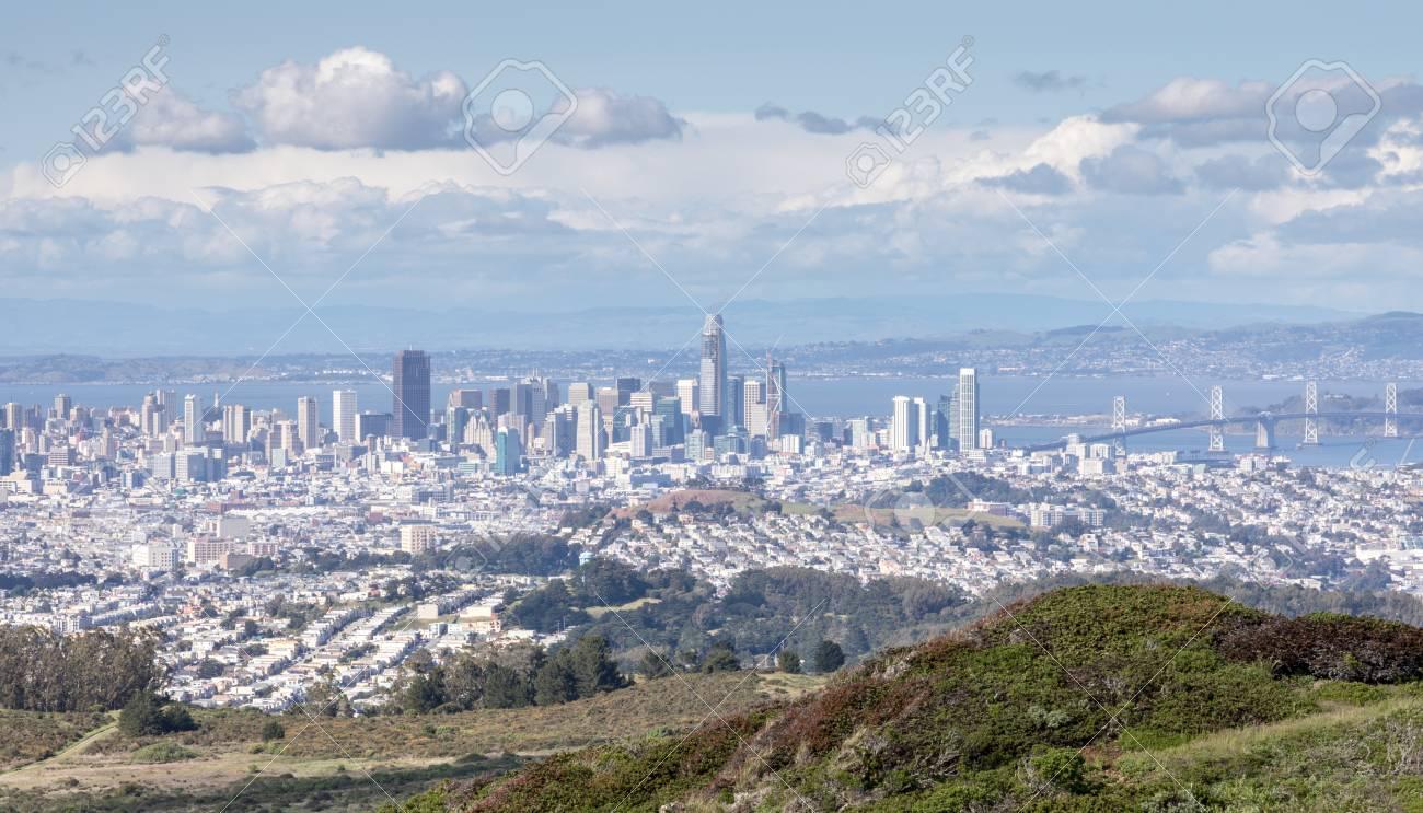 Skyline De San Francisco Depuis Le Parc D\'État De San Bruno Mountain ...