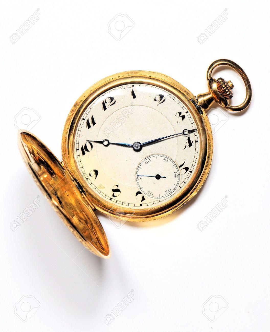 reloj de bolsillo Antiguo reloj de bolsillo de oro sobre fondo blanco