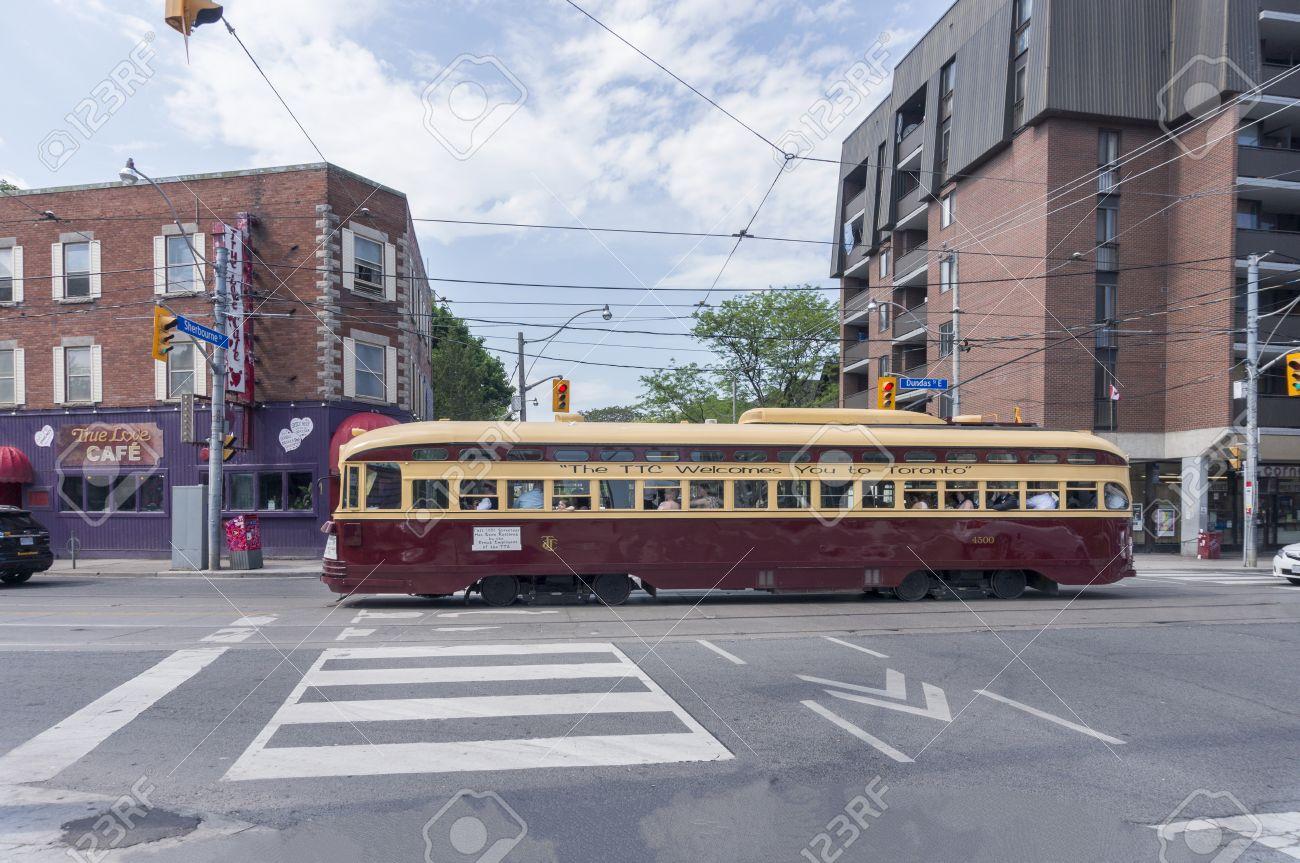 maintenant Toronto datant Toyboy Speed datant