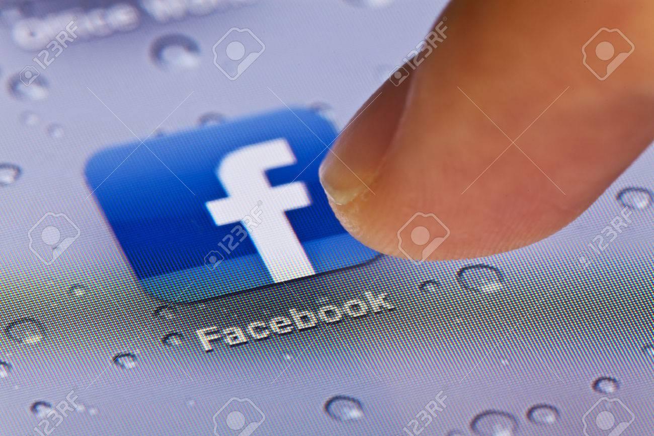 Hong Kong,China - July 2, 2011: Macro image of clicking the Facebook icon on an iPad screen - 42179335