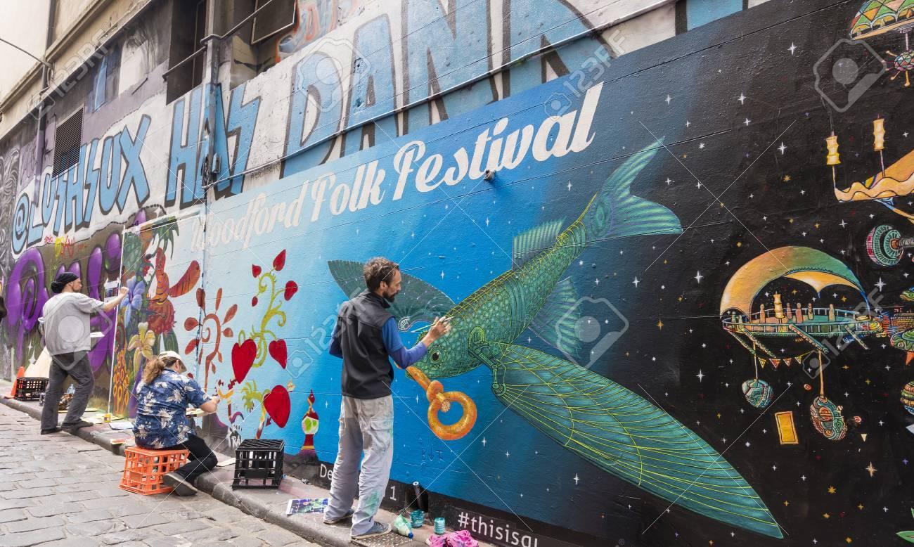 Melbourne Australia Nov 14 2015 Street Artists Creating Graffiti At Hosier Lane