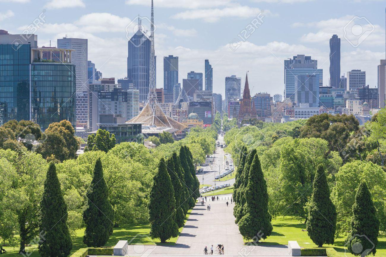 Melbourne, Australia - Nov 7, 2015: Skyline in downtown Melbourne, Australia during daytime - 50728936