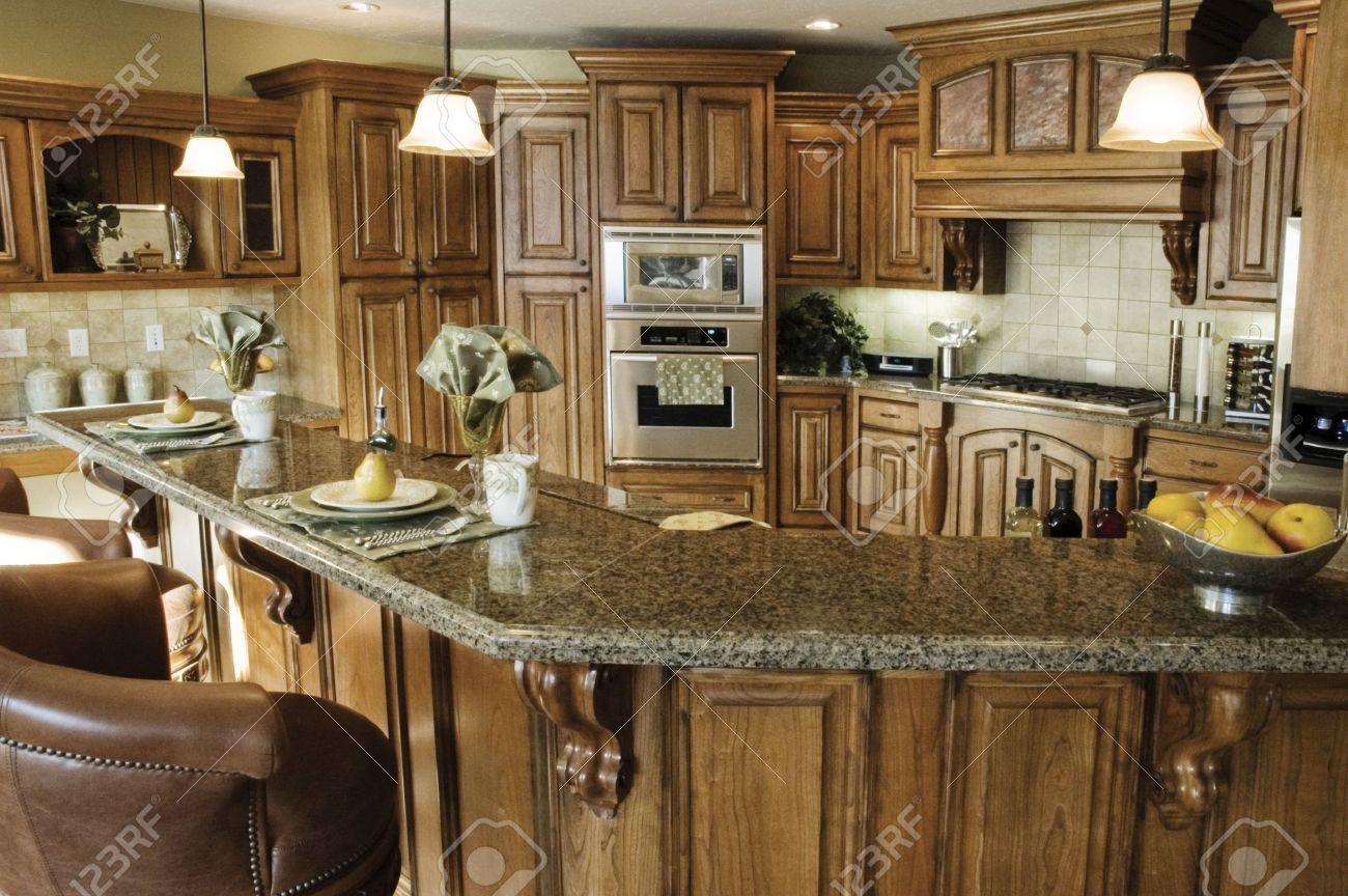 En El Interior De Un País Cocina Rústica Con Una Elegante Cocina Con ...