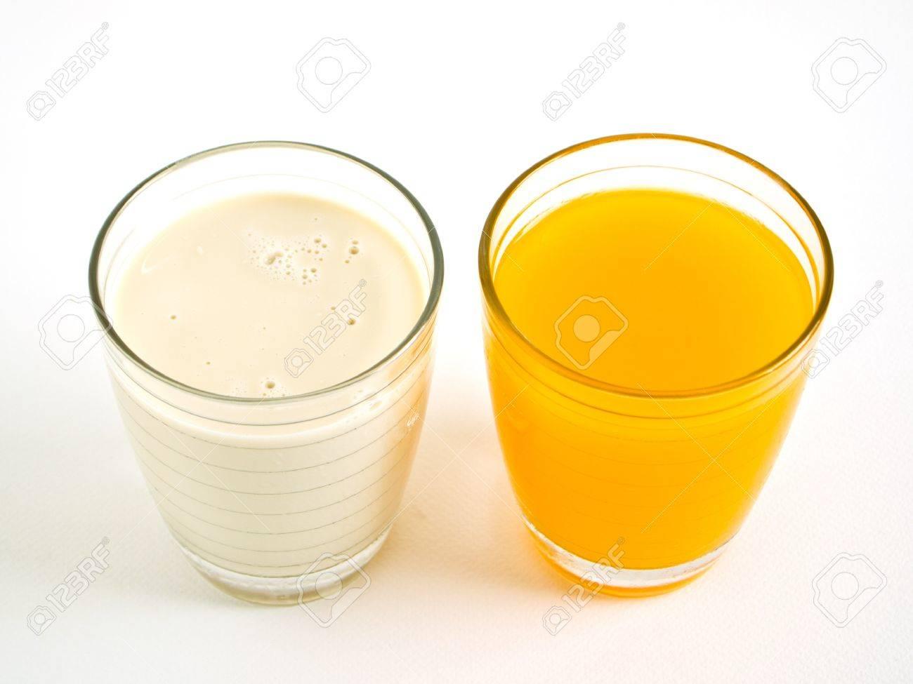 bebe - Dobrodošao mart, proljeće i bebe  - Page 15 9238261-Orange-juice-and-Soy-milk-Stock-Photo