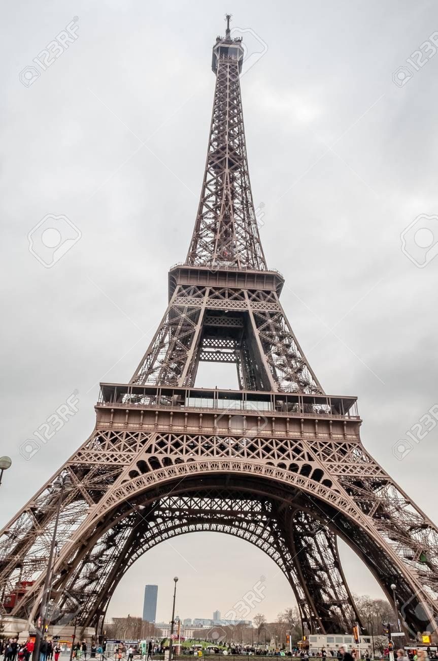 The Eiffel Tower Stock Photo - 16284475