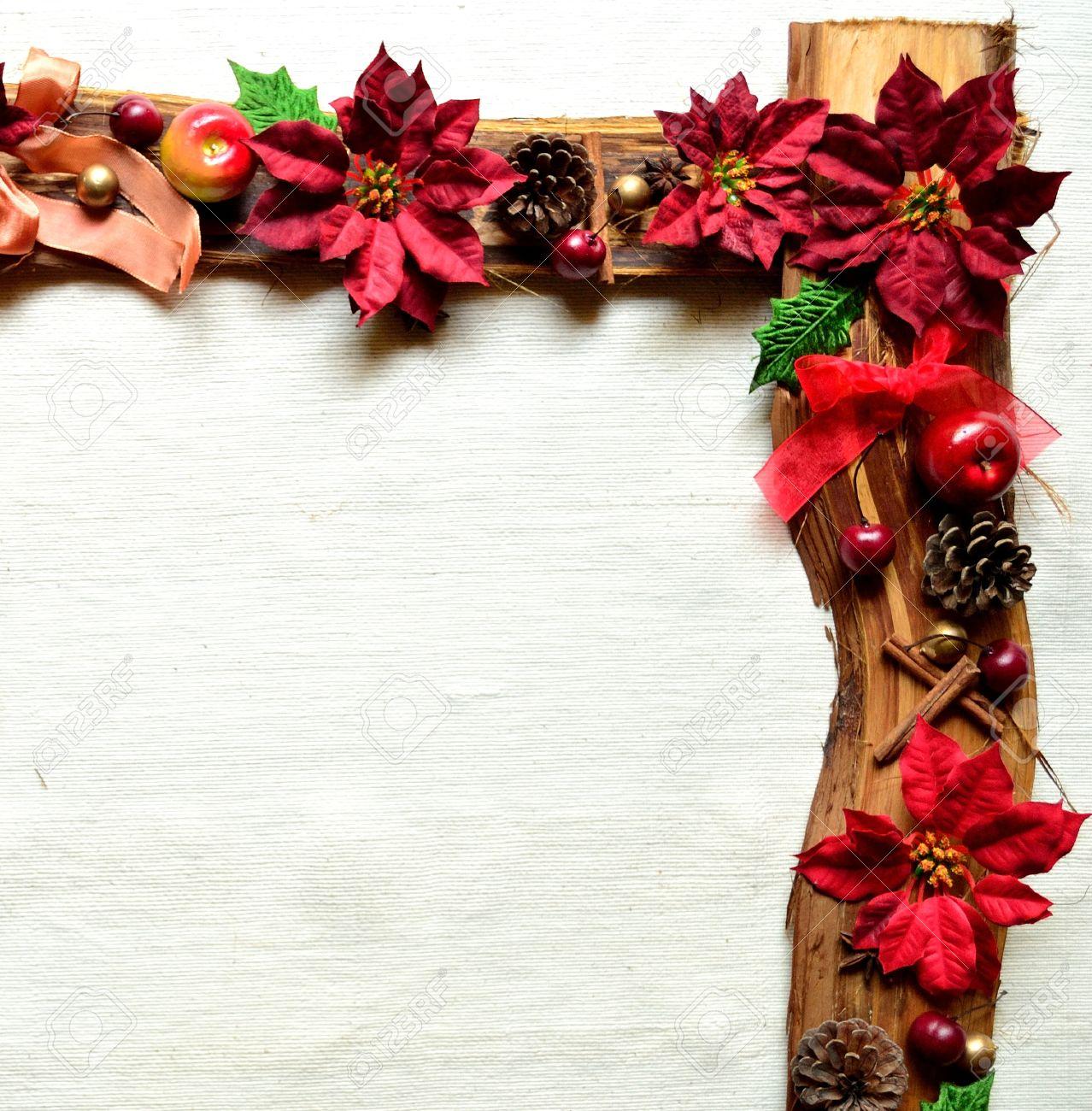 Roter Weihnachtsstern Und Früchten. Weihnachten Frames Lizenzfreie ...