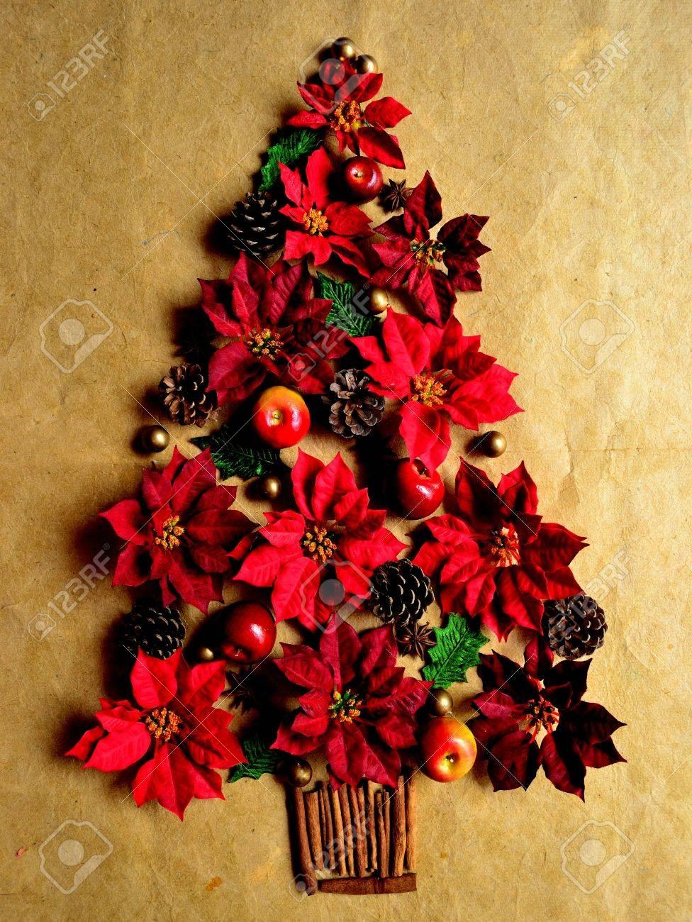Pointsetta Christmas Tree.Red Poinsettia Christmas Tree
