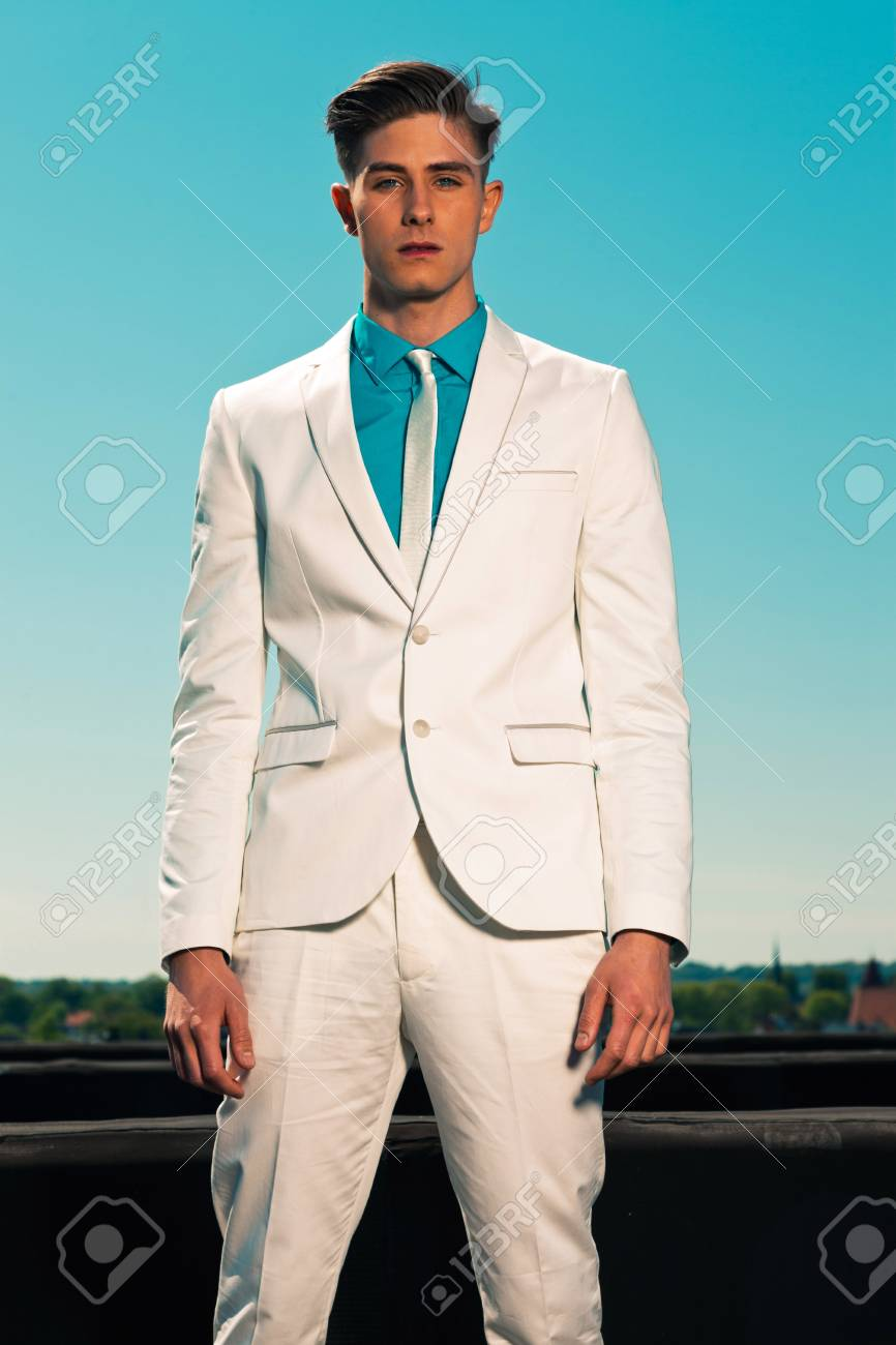 Vintage summer fifties fashion man wearing white suit and tie Stock Photo - 19879386