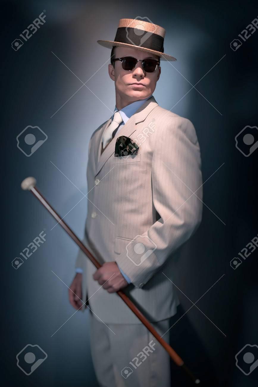 Costume Homme Rayé Chapeau Mode Porter Rétro D'affaires Classique De SoleilDeboutLa Blanc Lunettes Et CanneStudioCoup OnPw0k