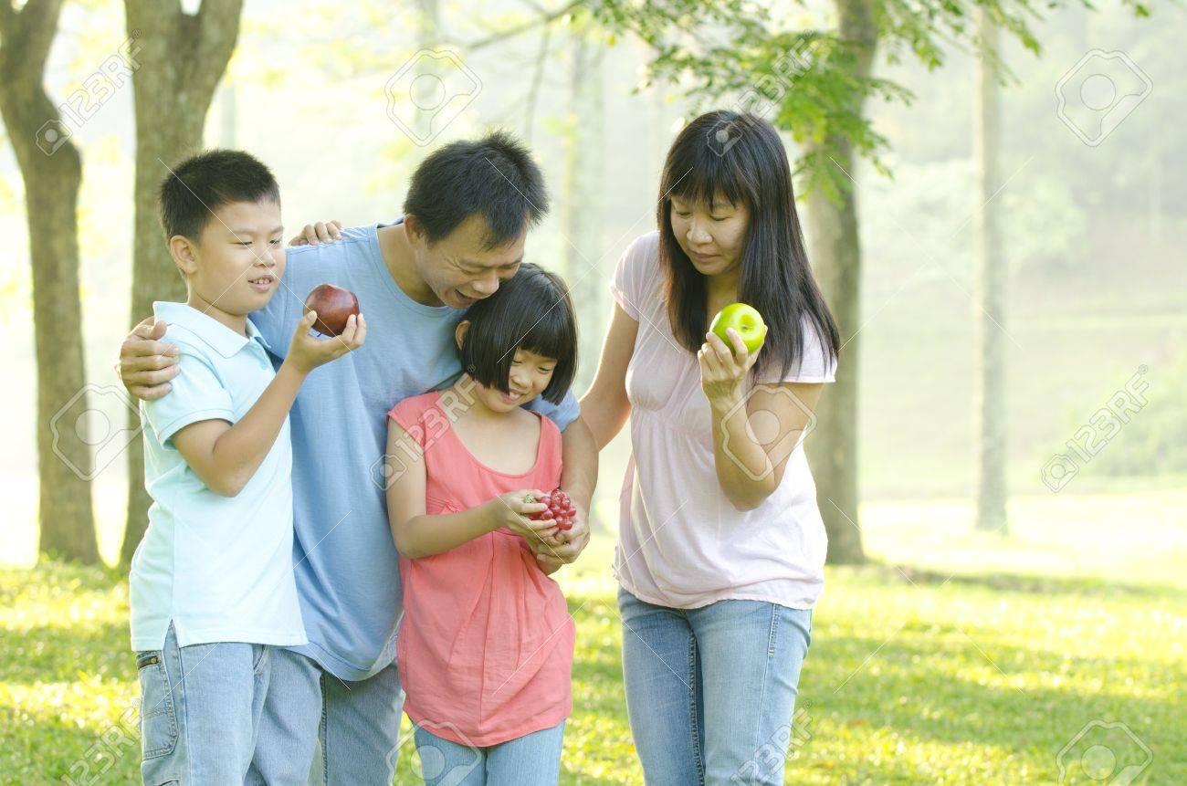 asia family outdoor Stock Photo - 14977591