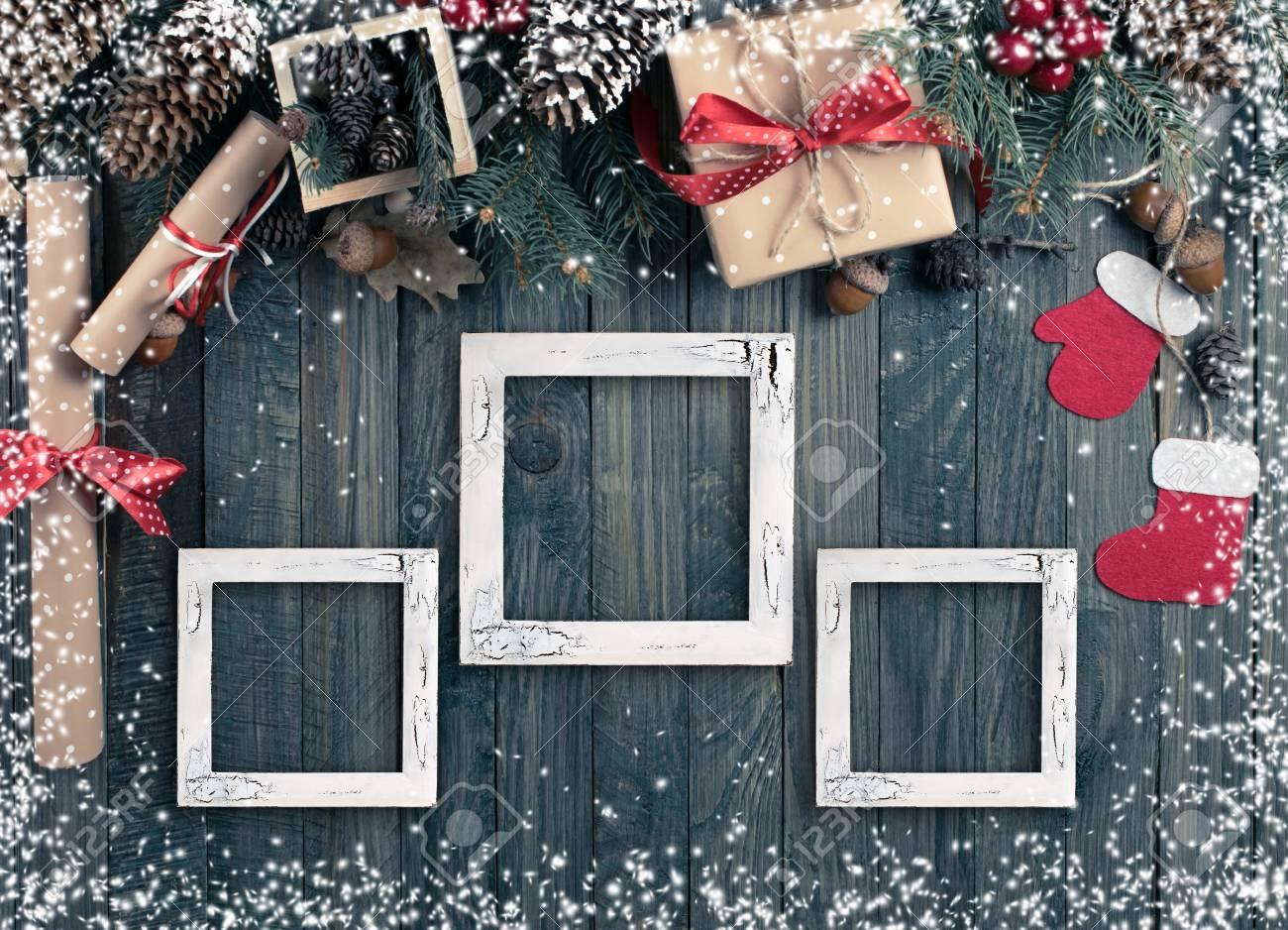 Weihnachten Hintergrund Mit Fotorahmen, Fichte, Geschenk-Box ...