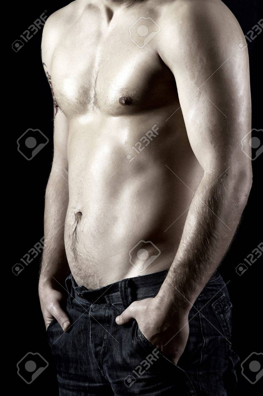 Naked muscular male model in jeans Stock Photo - 9788959
