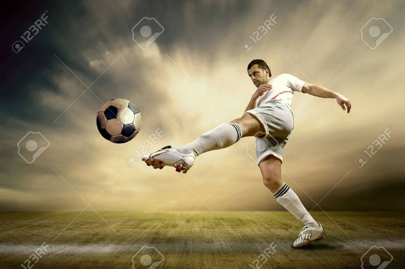 Shoot of football player on the outdoor field Stock Photo - 10344569