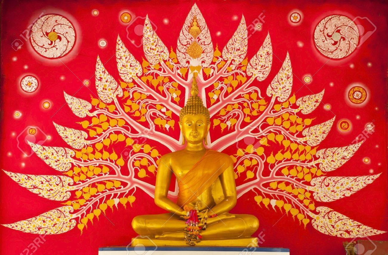 Golden Buddha statue inside a temple. Stock Photo - 11038634
