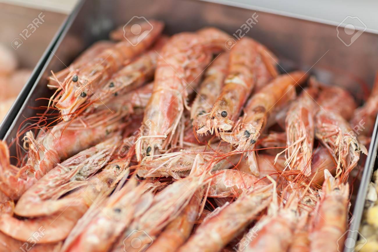 Bunch of fresh shrimps in fridge in supermarket Stock Photo - 18914984